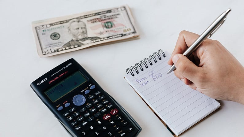 These Budgeting Tips Can Help You Get Through Uncertain Times